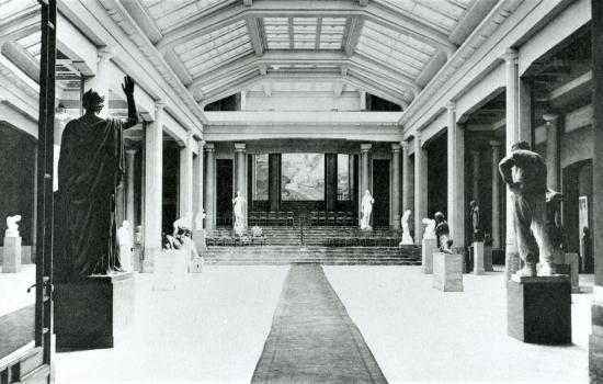 Photographie ancienne du Hall Horta, alors Salle des Sculptures