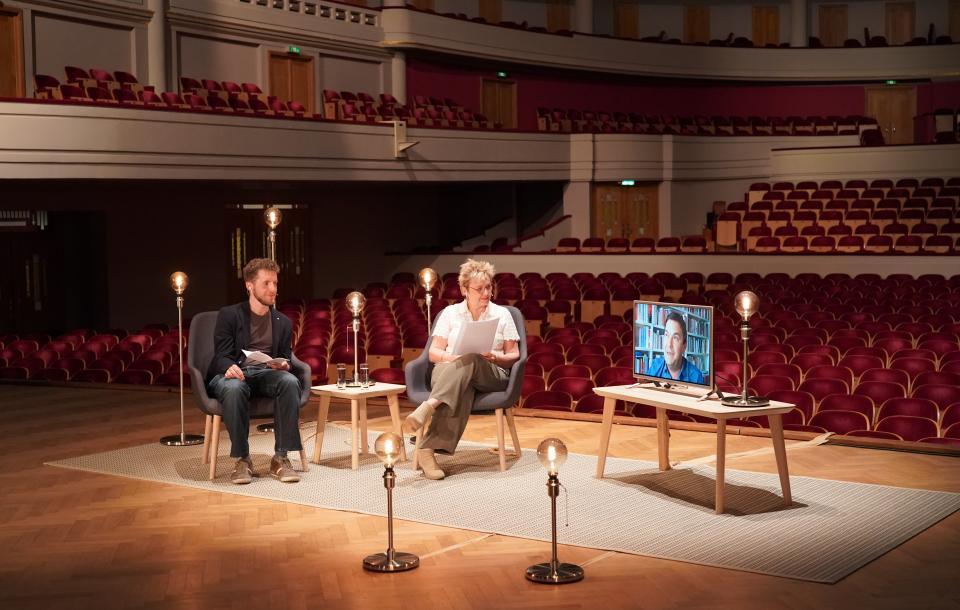 Béatrice Delvaux, Jeroen Zuallaert & Thomas Piketty