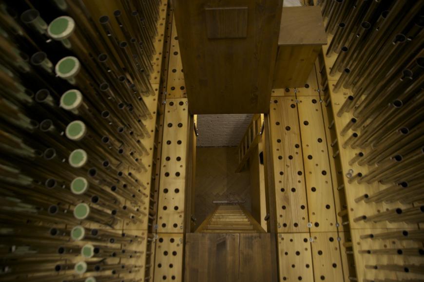 Tuyaux de l'orgue - vue interne